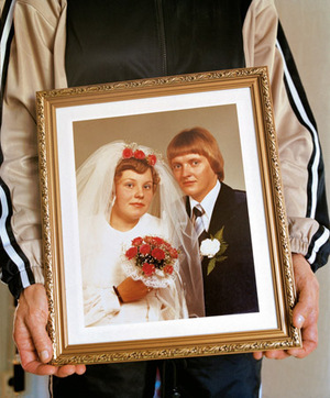 Aulikki's and Kalevi's wedding portrait © Eva Persson
