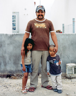 From the book, Suburbia Mexicana © Alejandro Cartagena