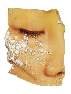 Deep Fried. 1997, C-print, 61x 50.8cm. © Chino Otsuka. Image courtesy of Huis Marseille.