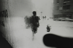 New York, circa 1950 © Saul Leiter / courtesy Howard Greenberg Gallery, New York