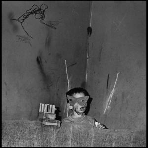 Skew mask, 2002 © Roger Ballen