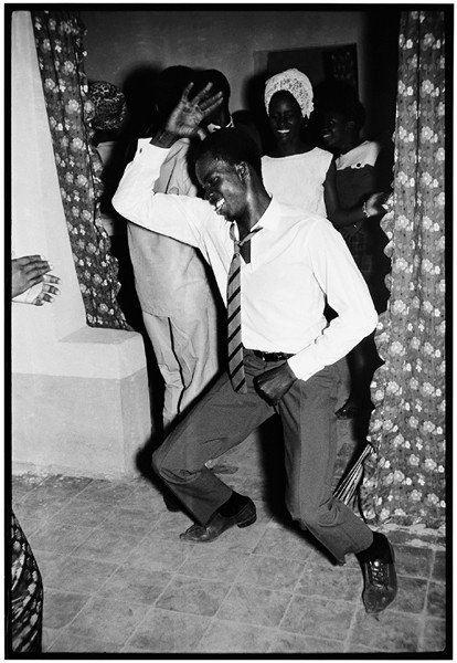 © Malick Sidibé, Merengue dancer, 1964, gelatin silver print, 50 x 60 cm. Courtesy of Fifty One Fine Art Photography.