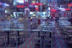 CAFETARIA ET NÉONS                          2011 - NY - USA                                                              Format  - 150X100 - 5 EX.                 Format  - 70X100 - 5 EX.                                                                    © Louis-Paul Ordonneau
