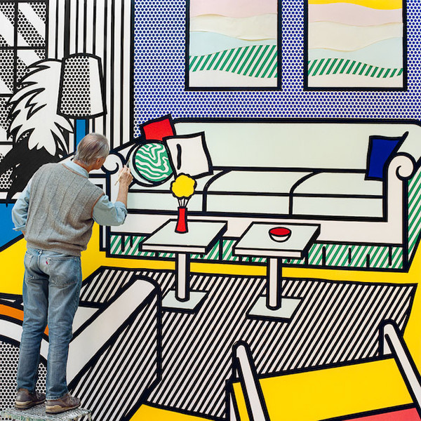 Roy in Yellow Interior, 1991, from the series Inside Roy Lichtenstein's Studio © Laurie Lambrecht, 1990-1992
