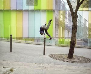 Denis Darzacq, La Chute #24, 2006 © De Soto Gallery, Paris Photo LA