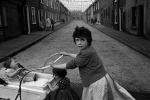 Street scene, Belfast, Northern Ireland, 1965 © Philip Jones Griffiths