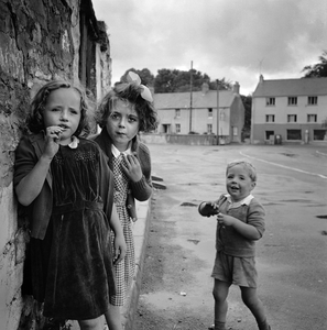 Laugharne, Wales, 1952 © Philip Jones Griffiths