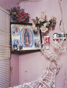 Living room altar, 2006 © Andrew Phelps