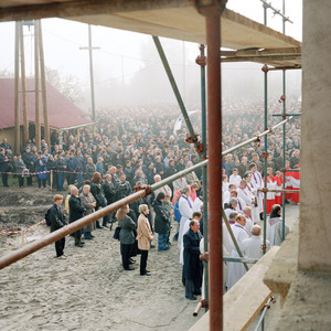A gathering to celebrate the newly repaired roof on Vukovar Cathedral. © Colin Dutton