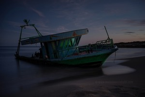 In the night of June, 14th 2013, a ten meter long boat arrive at the Eloro beach with 70 people onboard © Massimo Cristaldi