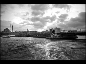 Freedom, Fishermen and Refugees The Galata Bridge in Istanbul ©Dominic Jan Geis