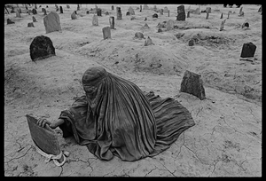 Afghanistan, 1996 © James Nachtwey