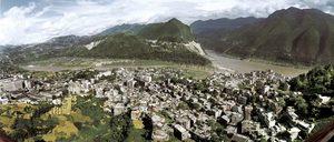 Wushan #1, from the series: Three Gorges Dam Project, 2002, Yangtze River, China © Edward Burtynsky, courtesy of Prix Pictet 2008