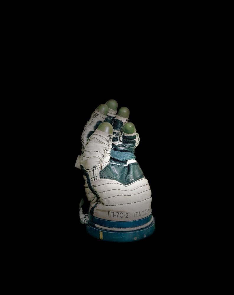 Space glove, Yuri Gagarin Cosmonaut Training Centre, Star City, Russian Federation. © Edgar Martins