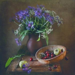 Baies et Fleurs, 2013 © Galina Chirikova, Russian Tea Room Gallery