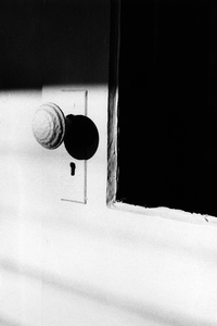 From the exhibition Nude and Recent Work, 2007-2008 © Ralph Gibson