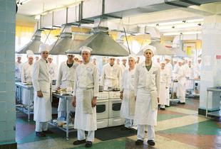 Army Cooks, Narofuminsk, 2007 © Martin Kollar