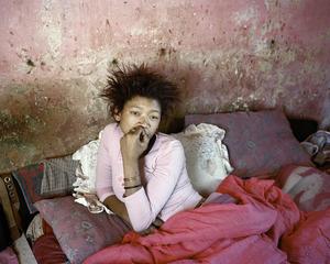 Michelle, Mallies household, Rustdene Township, 2008 © Mikhael Subotzky/Magnum Photos