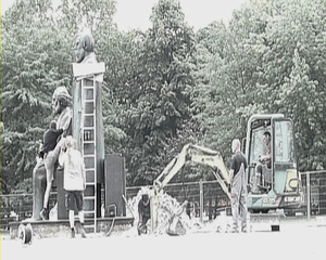 'Workers of All Countries, Unite!', 2010, Single Channel Video, 6min 02sec, Video Clip 02