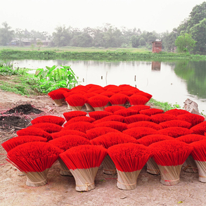 Tessa Bunney Home Work (Vietnam, 2006-2008) Quang Phu Cau, a village making incense sticks.  Courtesy of Noorderlicht Gallery, Holland.