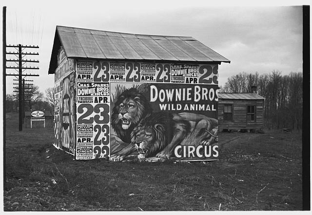 Untitled, Lynchburg, Virginia © Walker Evans, 1936