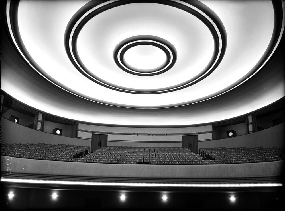 Cine Barcelo, Madrid, 1930. Architect: Luis Gutierrez Soto © Luis Llado, courtesy of Museo ICO and PHoto Espana