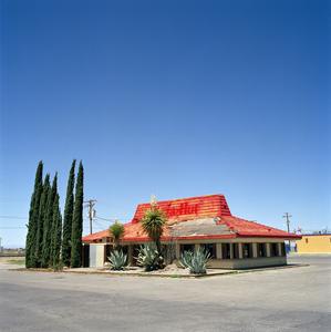 Pizza Hut (abandoned) – U.S. Route 70 | Alamogordo, New Mexico, USA. © Robert Harding Pittman