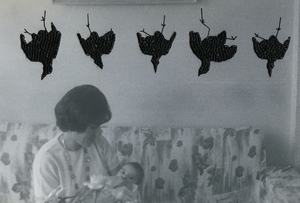 oiseaux pendus / hanged birds, from the series Photos-Souvenirs, © Carolle Benitah