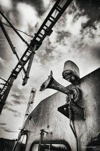 horn blower © Christos Tolis