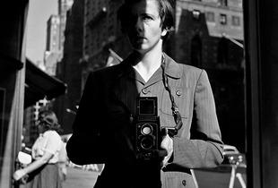 New York, NY, 18 October, 1953 © Vivian Maier/John Maloof Collection. Courtesy Howard Greenberg Gallery, New York