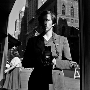 New York, NY, 18 October, 1953 © Vivian Maier/John Maloof Collection. Courtesy Howard Greenberg Gallery, New York