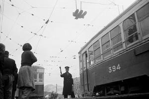 Tram, Seoul © Youngsoo Han, Recipient of the Prix découverte