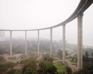 Access Road, Caiyuan Bridge, Chongqing 2007. © Ferit Kuyas.