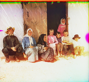 "Settler's Family in Grafovka in Mugan Steppe, Caucasus, between 1905 and 1915 © Sergei Mikhailovich Prokudin-Gorskii, from the book ""Nostalgia"". Images courtesy US Library of Congress and Gestalten publishers, Berlin."