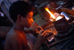 © 2014, Stephen Shames — Bangladesh. Works with gold.
