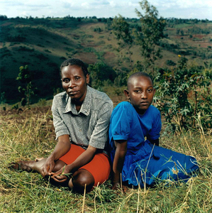 Justin with her daughter Alice, Rwanda.  © Jonathan Torgovnik.