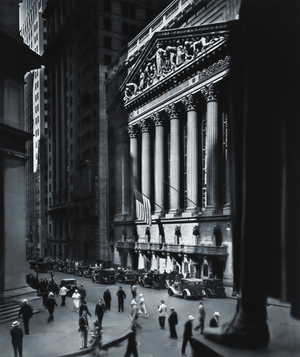 Berenice Abbott, New York Stock Exchange, New York City, 1933 Gelatin silver print, 24 x 19 cm Ronald Kurtz / Commerce Graphics © Berenice Abbott / Commerce Graphics Ltd, Inc.