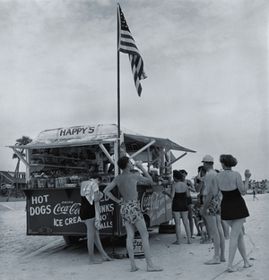 Berenice Abbott, Happys Refreshment Stand, Daytona Beach, Florida, 1954 Gelatin silver print, 29.5 x 28 cm Ronald Kurtz / Commerce Graphics © Berenice Abbott / Commerce Graphics Ltd, Inc.