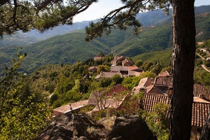 The medieval hamlet of Esparon where THE PHOTOGRAPHY MASTER RETREAT takes place