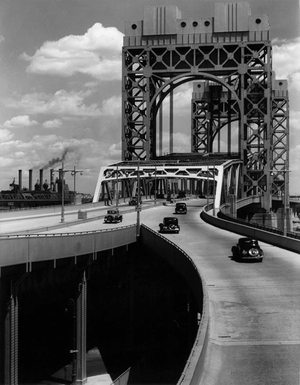 Berenice Abbott,Triborough Bridge, East 125th Street Approach, New York City, June 29, 1937 Gelatin silver print, 24.5 x 19 cm Museum of the City of New York. Gift of the Metropolitan Museum of Art © Berenice Abbott / Commerce Graphics Ltd, Inc.