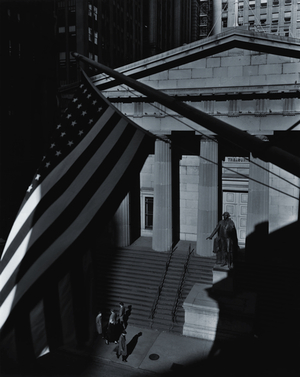 Berenice Abbott, Treasury Building, New York City, 1933 Gelatin silver print, 51 x 40.5 cm Ronald Kurtz / Commerce Graphics © Berenice Abbott / Commerce Graphics Ltd, Inc.