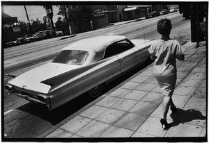 Woman walking along, Wilshire Blvd, LA, 1964 © Bruce Davidson, Rose Gallery