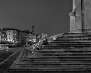 Sitting on the Salute Steps, Venice, Saturday July 22nd 2013, 2013 © Matthew Pillsbury, Bonni Benrubi
