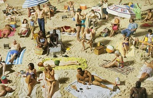 Crowd #3 (Pelican Beach), 2013 © Alex Prager, M + B Gallery
