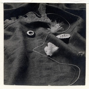 Nature morte par Walter Peterhans ou Eugene Batz, 1928-32 © Artistes Bauhaus, Galerie Michele Chomette