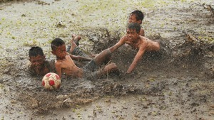 Muddy Football 5