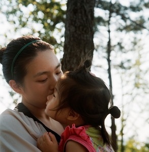 "From the series ""Mother"" (South Korea) © Agnès Dherbeys"