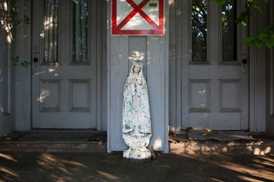 www.yorgosphoto.com © Yorgos Efthymiadis / This Must Be the Place / Mary X