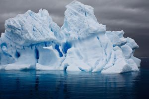 Electric Iceberg in Errera Channel © Camille Seaman