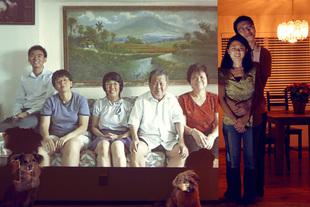 Goh Family / Bellevue / Bedok © John Clang
